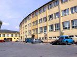 ubytovanie na slovensku   - Hotel Štadión ubytovanie slovensko Hotel má 6 apartmánov a 40 izieb s celkovou kapacitou 83 lôžok  Zloženie izieb je následovné: - apartmány  - dvojposteľové izby   - jednoposteľové izby   Stravovanie poskytujeme priamo v budov...