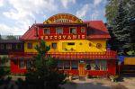 ubytovanie na slovensku  ubytovanie s barom - Western penzion Ruzomberok ubytovanie slovensko Chcete zažiť príjemnú dovolenku na Liptove?  NAVŠTÍVTE NÁŠ WESTERN PENZIÓN Privíta Vás celoročne otvorený areál ,kde nechýba štýlový western bar, kone,koč ,reštaurácia, zábava, futbalové a aj detské...